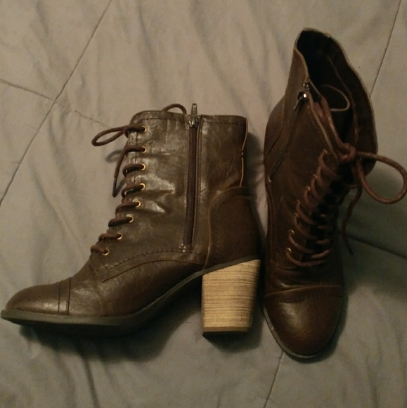 Diba Shoes | Lightly Used Brown Boots